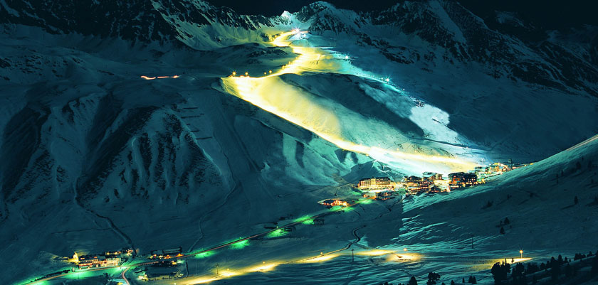 austria_kuhtai_resort-view-night.jpg